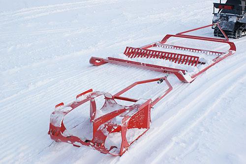 Аксессуары. Цена на Борона SNOWPRO для прокладки лыжни для конькового хода.